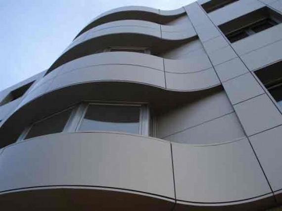 Panel composite stacbond revista aluminio descubre for Fachada aluminio